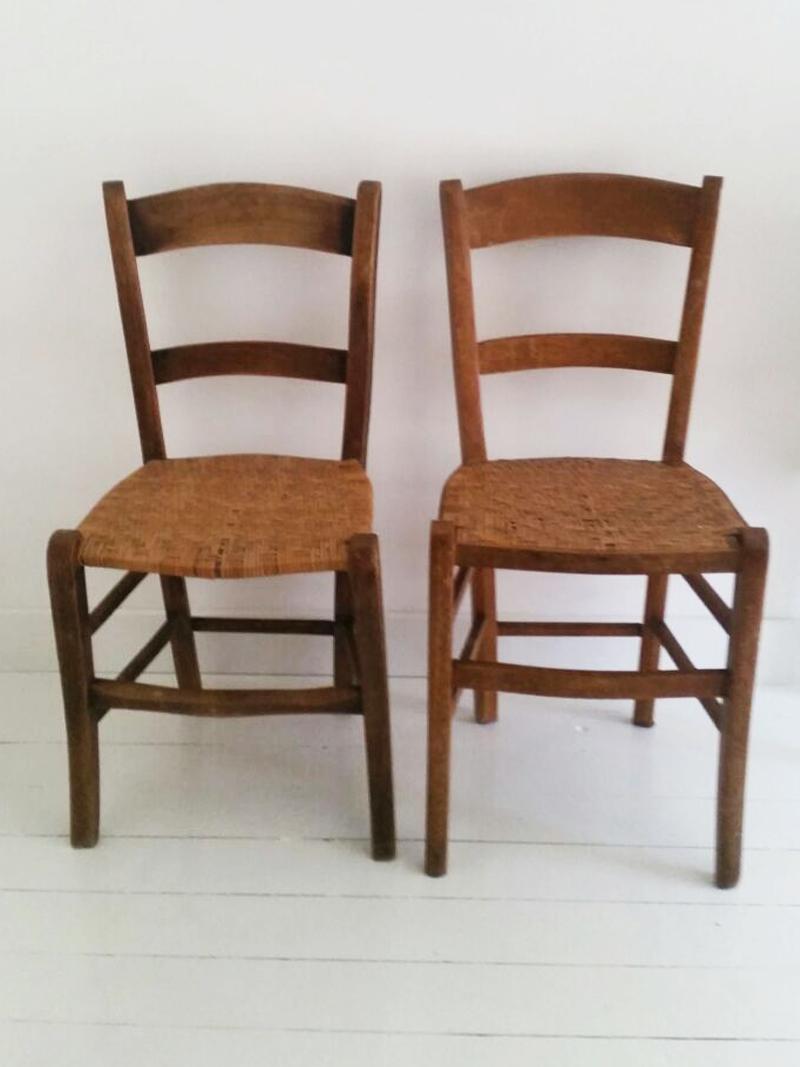 Oude houten stoelen hoe maak je van stoel stoelen eyespired beste idee n over oude houten - Houten stoelen om te eten ...