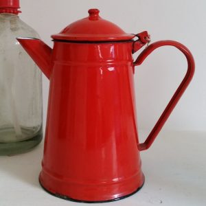 0399 Rood emaille koffiekan