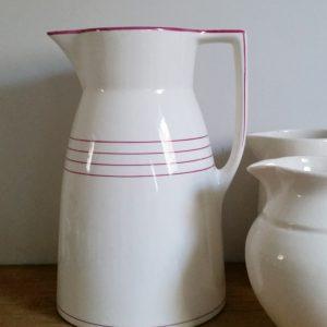 0407 Wit met roze lampetkan