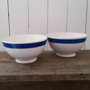0482 Twee Italiaanse puddingschaaltjes