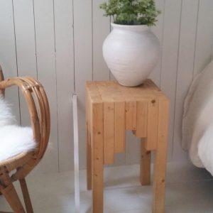 0707-houten-blok-krukje