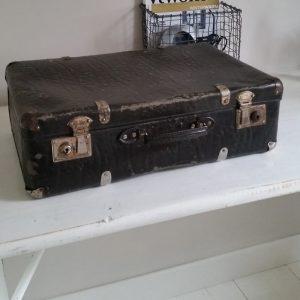 0773-zwarte-koffer