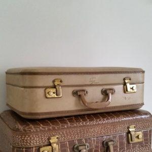 0777-beige-koffer