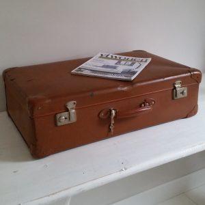 0779-vintage-bruine-koffer