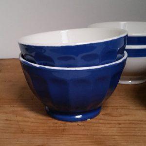 0854 Set van 2 blauwe spoelkommen