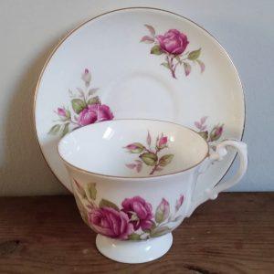 0866 Kop en schotel roze rozen