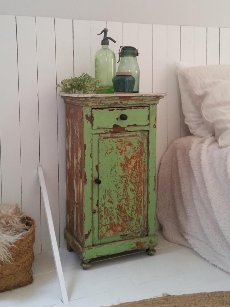 Groen vintage kastje frechic - Hoe een verf kleur voorbereiden ...