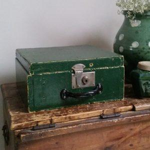 0968 Groen houten kistje