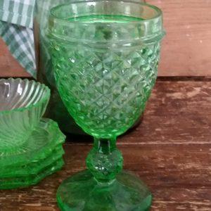 1074 Groen wijnglas