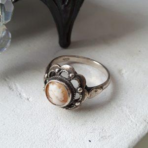 S0012 Antiek zilveren camee ring